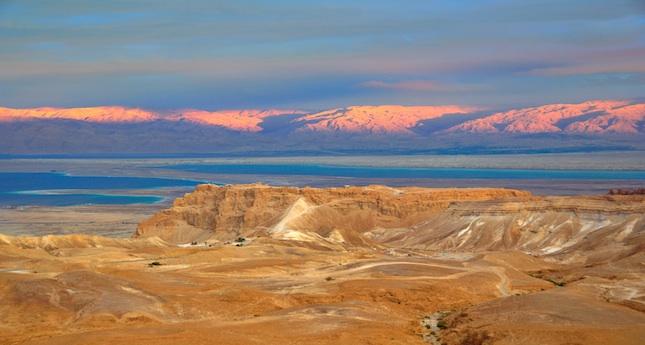 Yoga Dead Sea ID 22388423