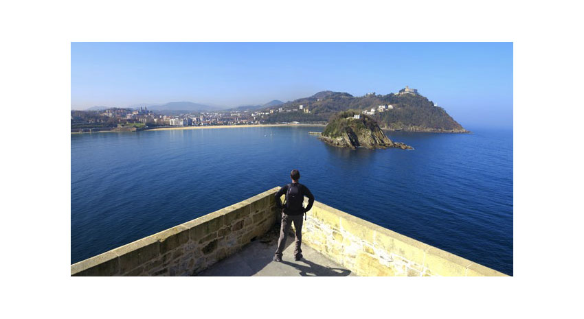 View of La Concha Bay from La Mota Castle © JUAN IGNACIO POLO | DREAMSTIME.COM