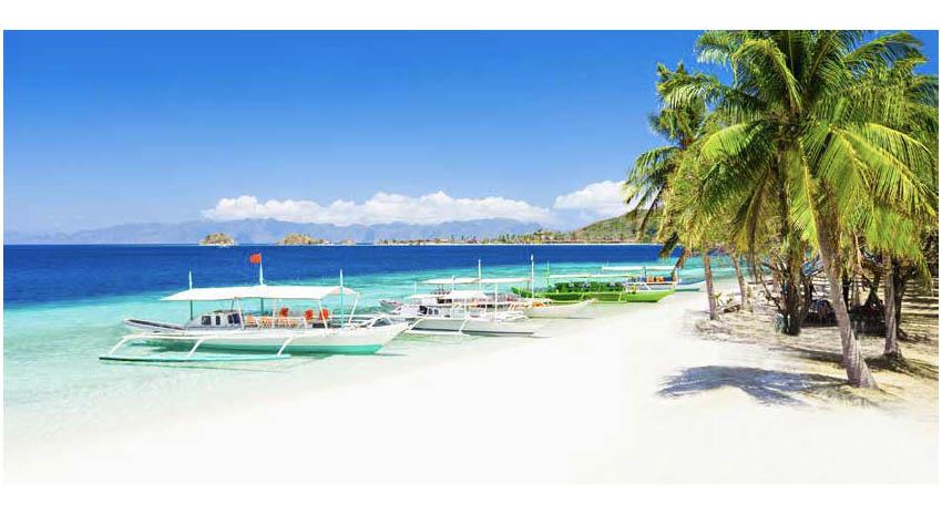 Filipino boats lining the beach