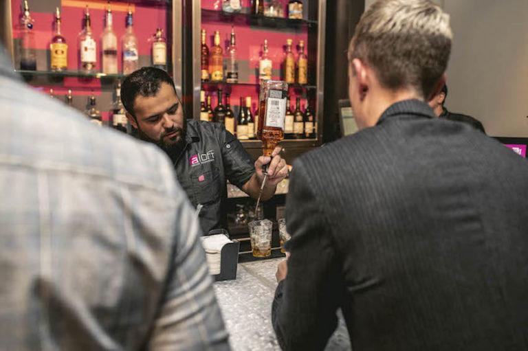 w xyz bar © Aloft Hotels