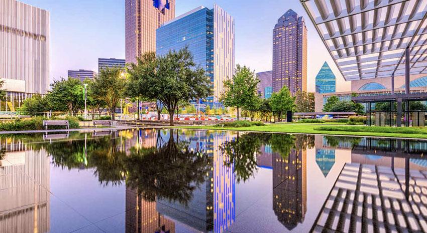 Dallas at twilight © SEAN PAVONE | DREAMSTIME