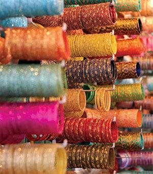 Colorful bangles for Sale at the Laad Bazaar near Charminar © RAKESH KRISHNOTULA - DREAMSTIME.COM