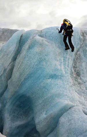 Ice climbing at the Sólheimajökull Glacier © LUCIANY | DREAMSTIME