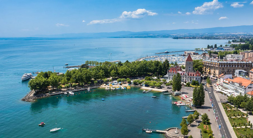 Aerial view of Lac Léman (Lake Geneva) in Lausanne