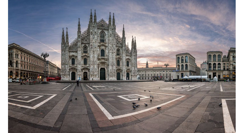 Early morning at the Duomo and Piazza del Duomo © ANDREY OMELYANCHUK - DREAMSTIME.COM