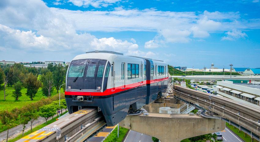 Naha City Monorail PHOTO: © RICHIE CHAN | DREAMSTIME.COM