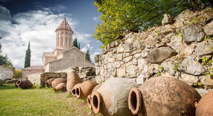 Old clay pots used for winemaking in Tbilisi, Georgia © DMYTRO LOBODA | DREAMSTIME.COM