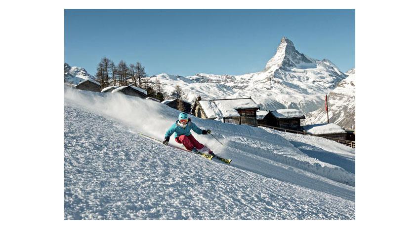 Skiing in Zermatt © MICHAEL PORTMANN
