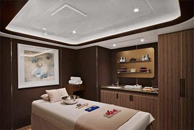 Spa treatment room © SEABOURN