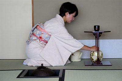 Tea ceremony masters © BETH REIBER
