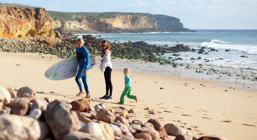 Family enjoying the beach at Martinhal Beach Resort & Hotel PHOTO: © MARTINHAL SAGRES BEACH FAMILY RESORT