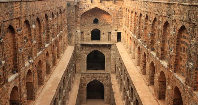 Agrasen ki Baoli Step Well