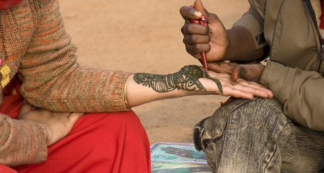 Body art in the street of New Delhi