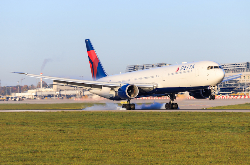 Delta Air Lines © Mike Fuchslocher | Dreamstime.com