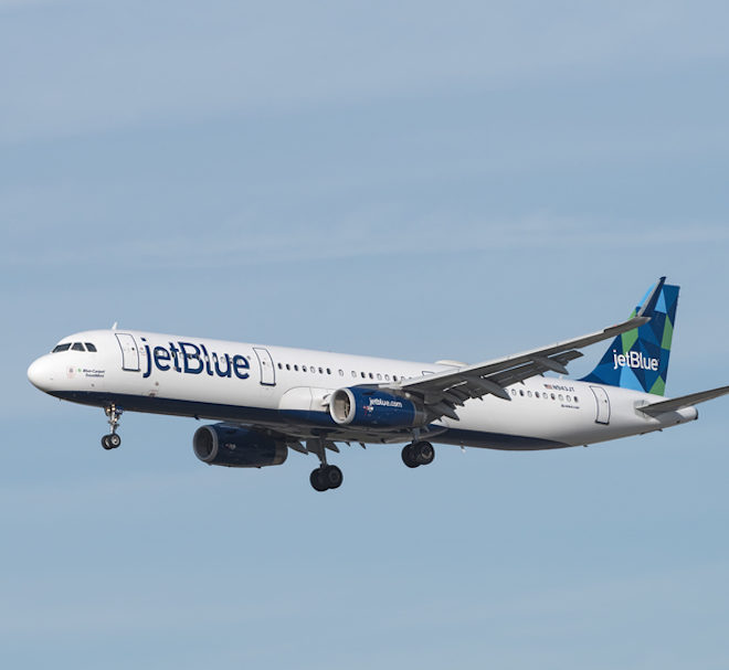 jetBlue Airbus flying © Ajdibilio | Dreamstime.com