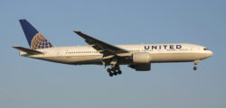 United Airlines Boeing 777 © Björn Wylezich | Dreamstime.com