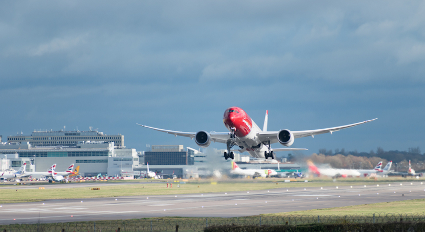 Norwegian Airlines in London © Richard Higgins | Dreamstime.com