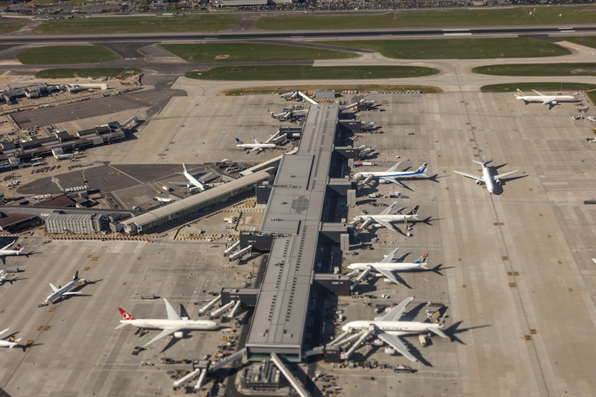 London Heathrow International Airport © Typhoonski | Dreamstime.com
