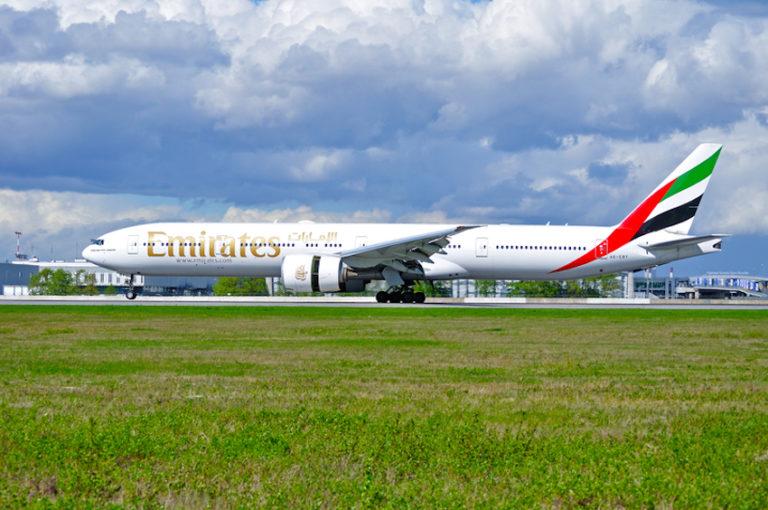 Emirates Airline Boeing 777 airplane © Messiahphoto   Dreamstime.com
