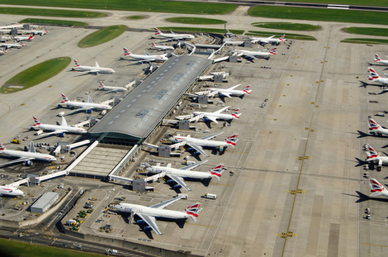 Heathrow Airport © Amanda Lewis | Dreamstime.com